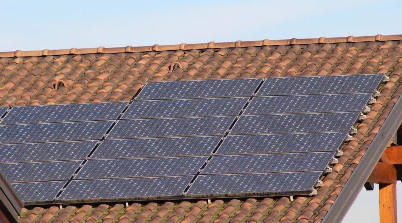 solaire photovoltaïque ,insttallation de panneaux solaires photovoltaïques en toiture